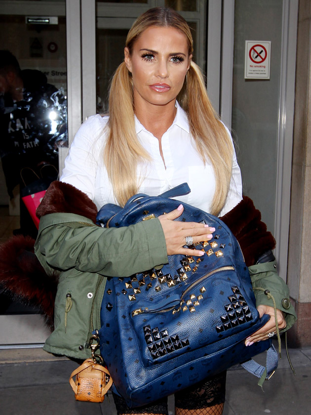 Wow Check Out This Pic Of Pregnant Katie Price S Belly