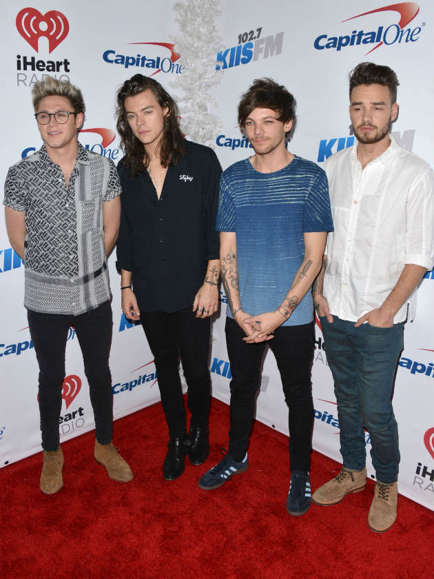 One Direction stars reach out to Harry Styles after death of his stepfather