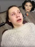 Emma/ Kylie Jenner
