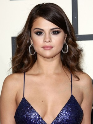 Latest Selena Gomez Articles - Page 2 of 8 - CelebsNow
