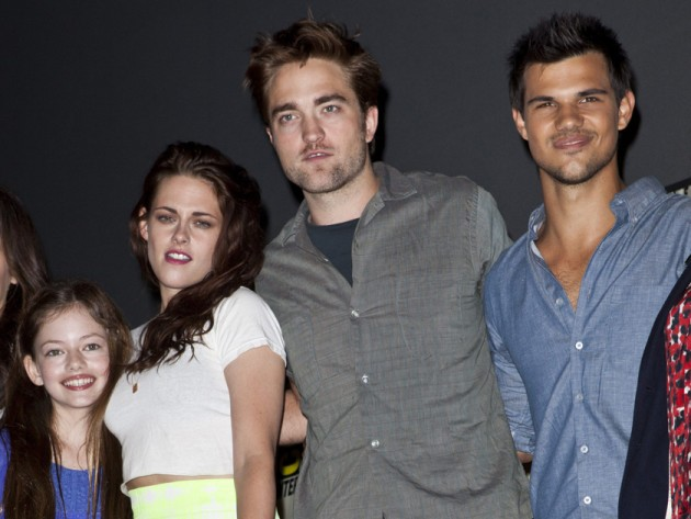 pictures remember renesmee cullen from twilight see what she looks