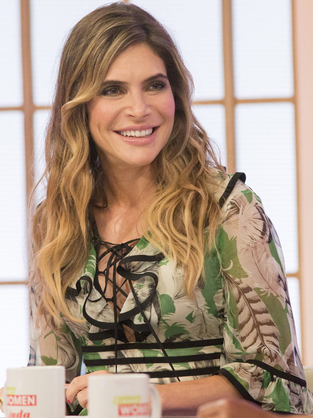 Robbie Williams Wife Ayda Field Too Knackered For Sex