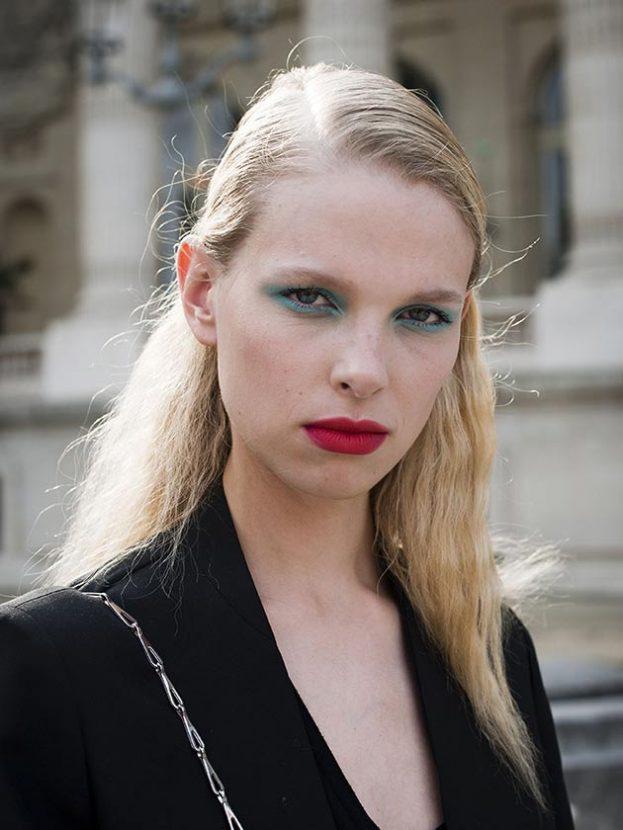 A lustrous, moisture-rich lipstick