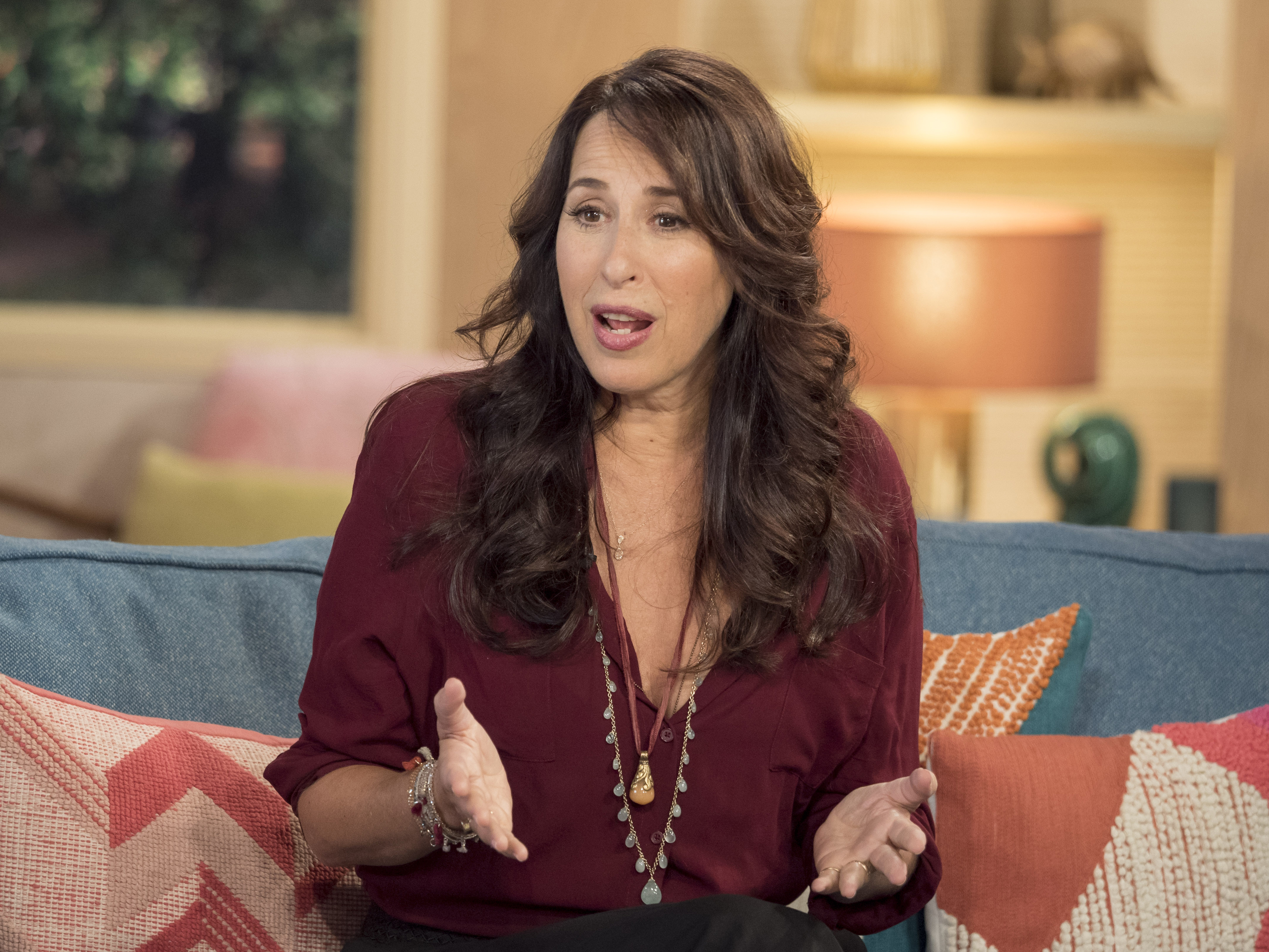 Oh. My. GWAD. This is what Janice from Friends looks like now!