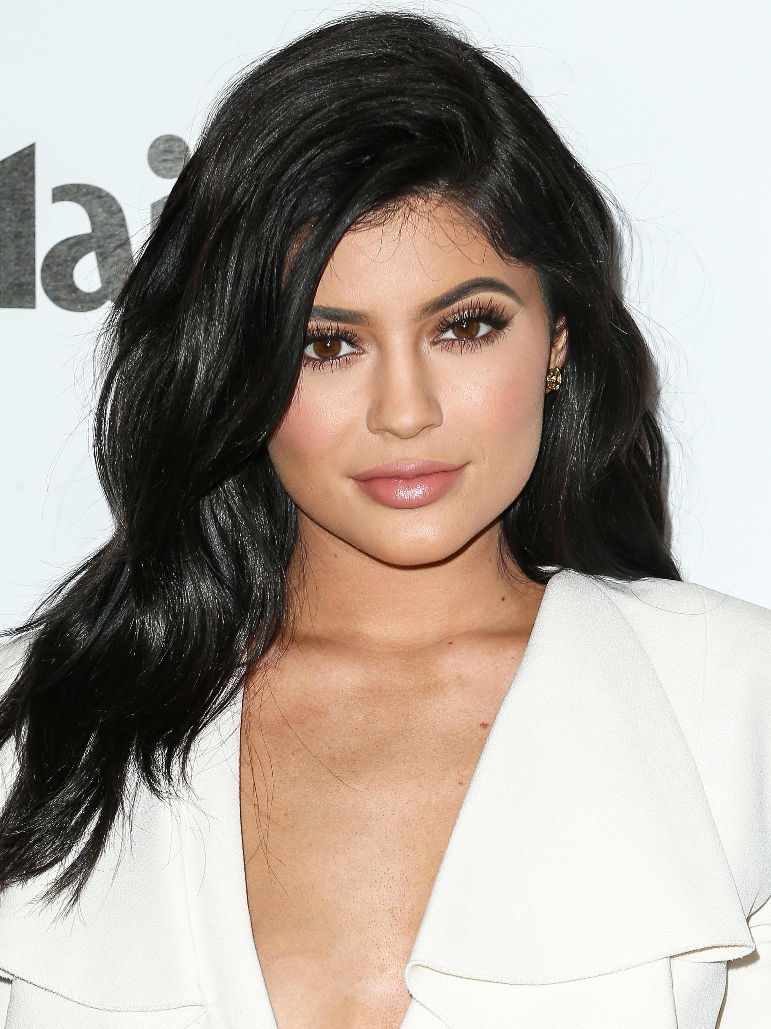 Every Kylie Lip Kit Dupe: Kylie Jenner's Changing Style From 2002 To Now, 60 Outfit
