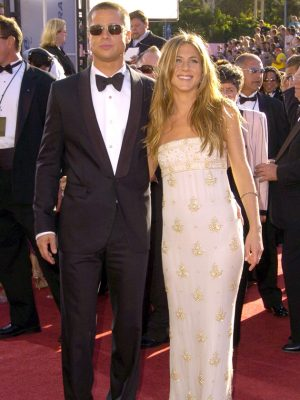 Brad Pitt and Jennifer Aniston's secret phone call after Angelina Jolie split revealed 2