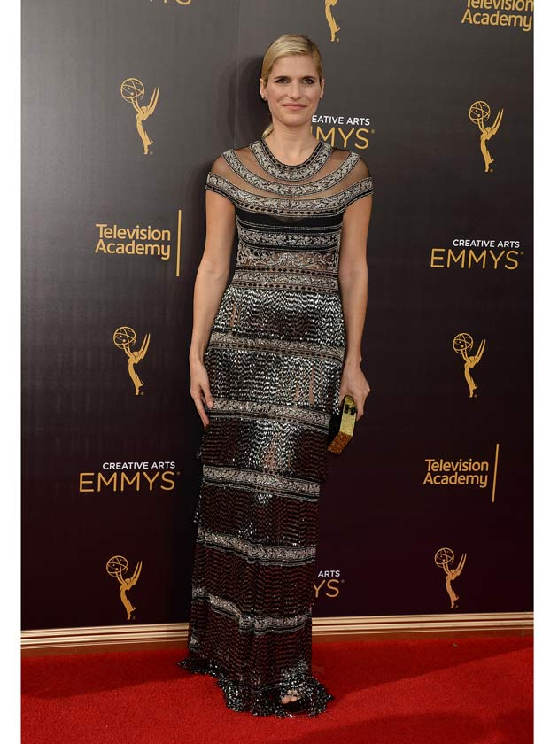 Love Wins >> So what happened to Lake Bell's dress at the Emmy's last night?