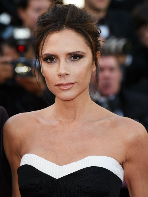 'Don't mess with your boobs': Victoria Beckham opens up about plastic  surgery regret