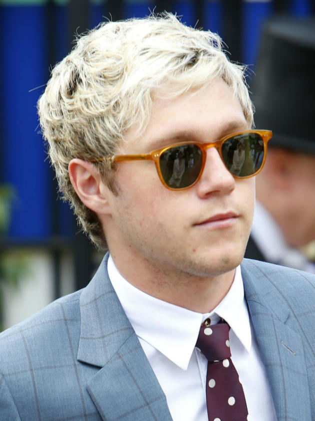 One Direction S Niall Horan Amazes Fans With Brown Hair