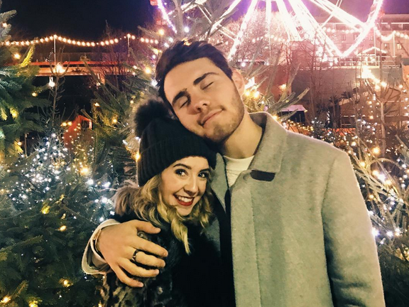 Is zoella dating anyone