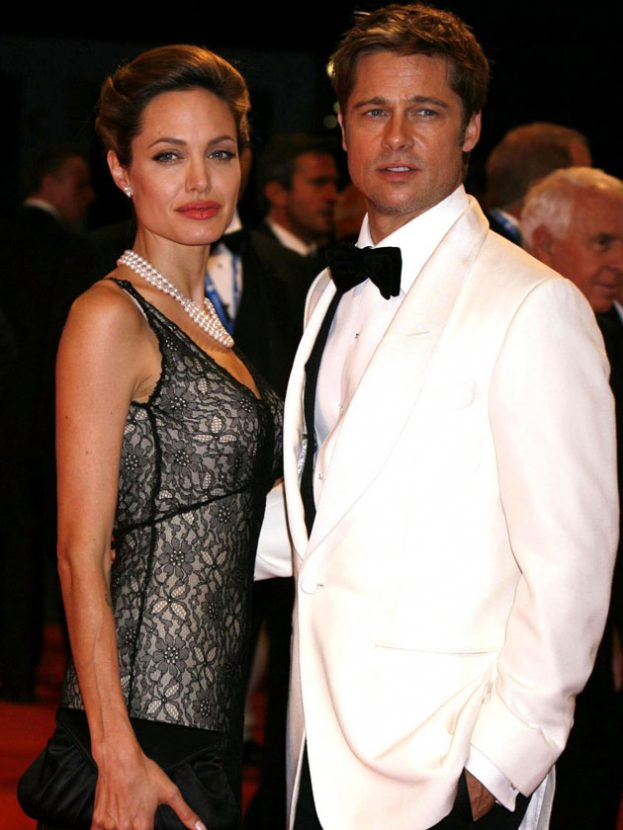 Brad Pitt and Jennifer Aniston's secret phone call after Angelina Jolie split revealed 4