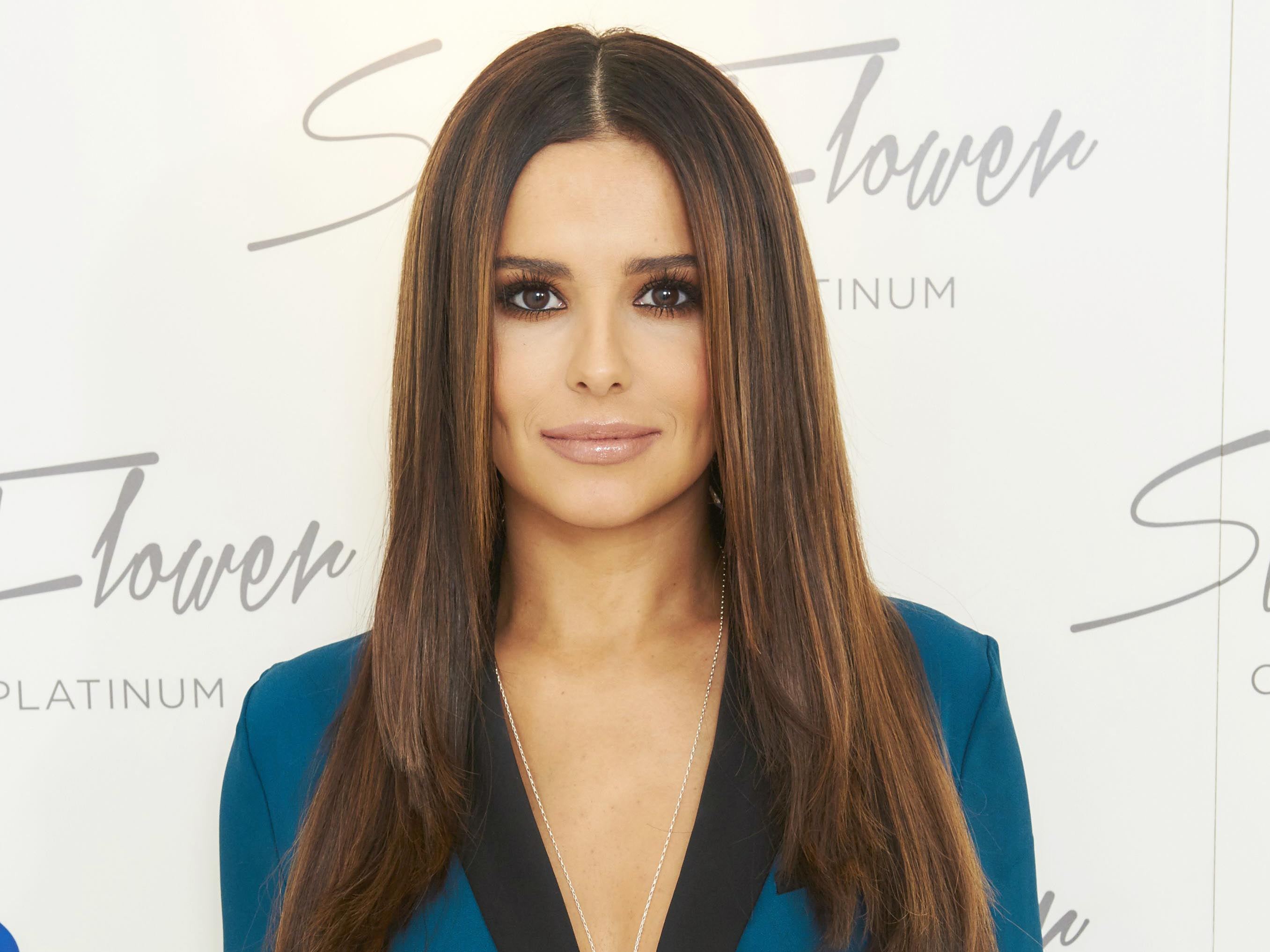 Cheryl Cole wows in first public appearance since split Cheryl Cole wows in first public appearance since split new foto