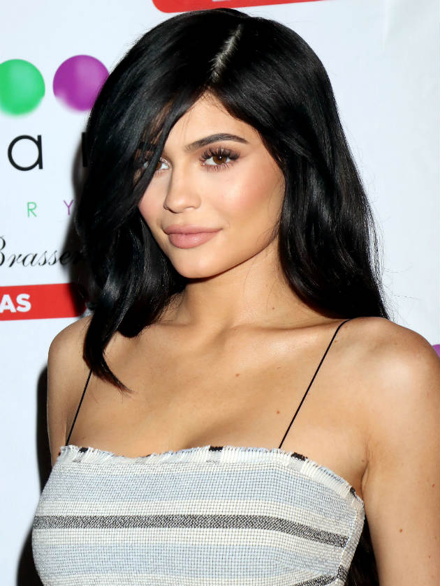 Kylie Jenner reveals huge thigh scar in sexy Instagram snap