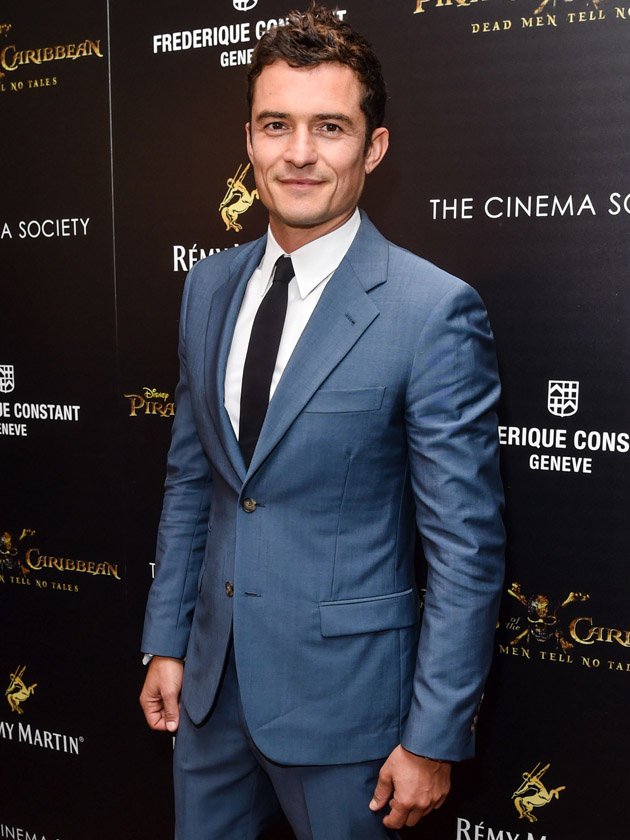 Orlando Bloom 'apologises to waitress who was SACKED for having sex with him'