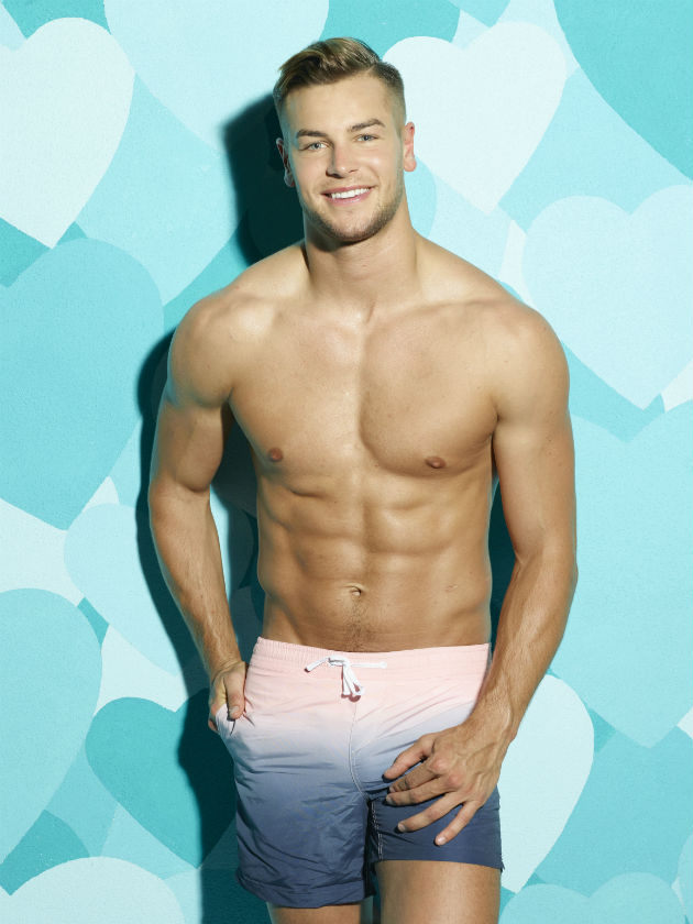 Chris Hughes Massive Willy Sends Love Island Girls And