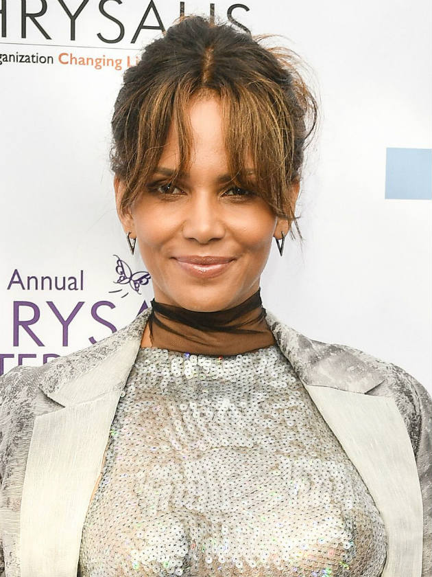 Halle Berry is pregnant and starred in the movie X-Men 04/23/2013 25
