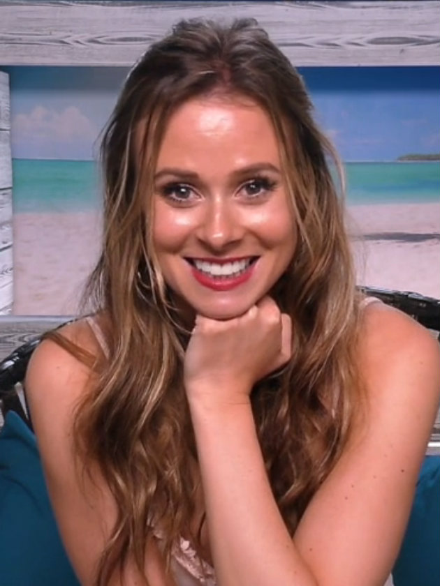 Wow! Love Island 2017 star Camilla Thurlow stuns fans with bold new look