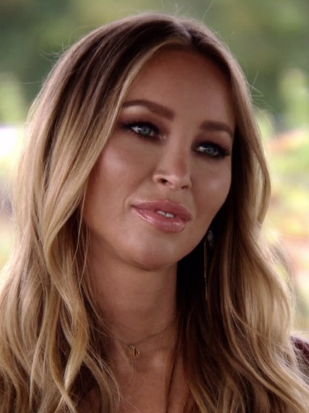 towie fans spot something awkward about lauren pope and