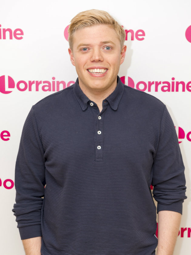 Who Is Celebs Go Dating 2017 Narrator Rob Beckett All You