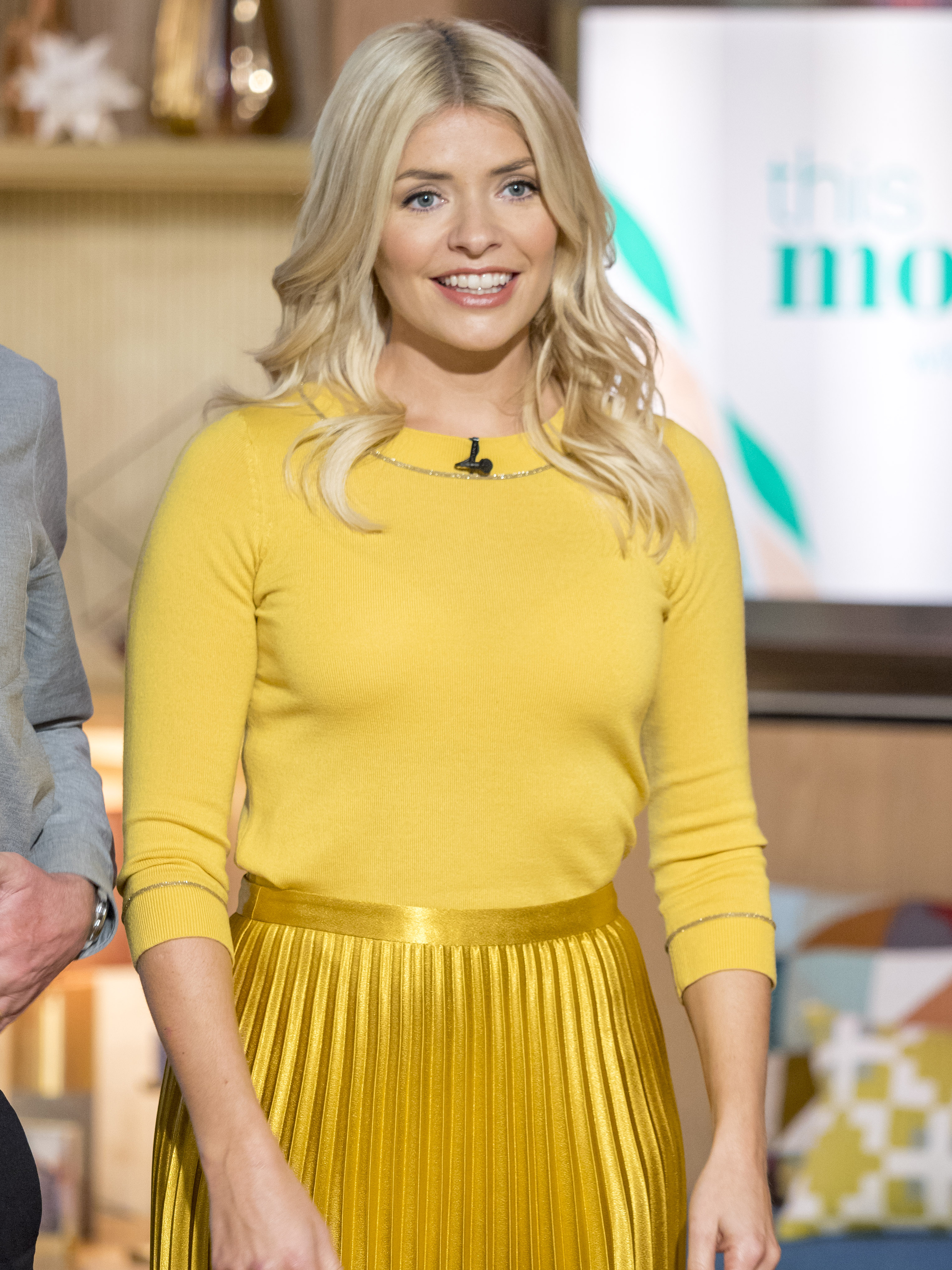 Holly Willoughby Nudes regarding holly willoughby shows off her gorgeous legs in marilyn monroe moment