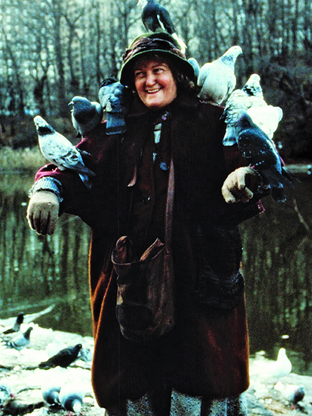 Meaning Of Christmas >> The Pigeon Lady from Home Alone 2: where is she now?