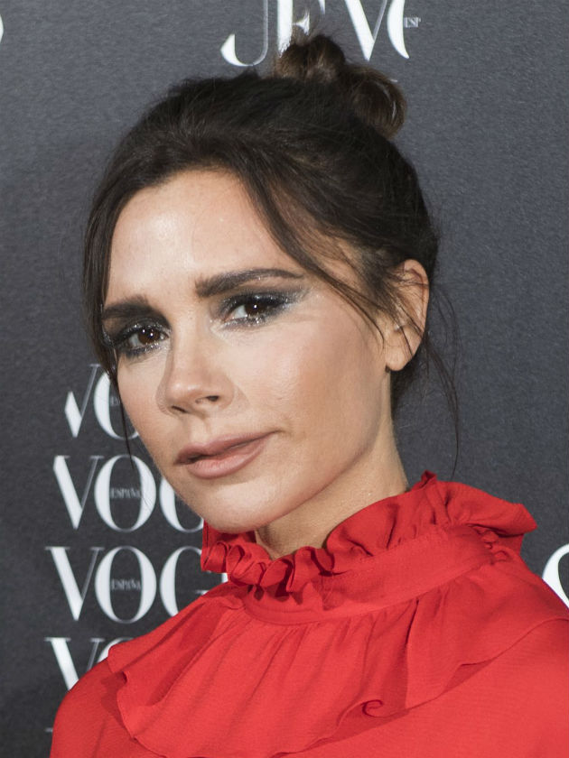 Victoria Beckham Shows Nipples In Dress After Trying To
