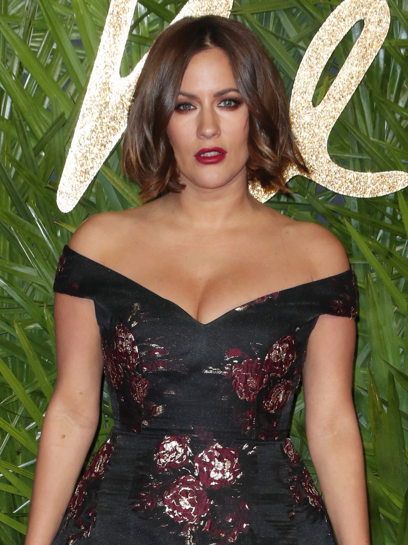 Caroline Flack strips completely NAKED for seriously ...