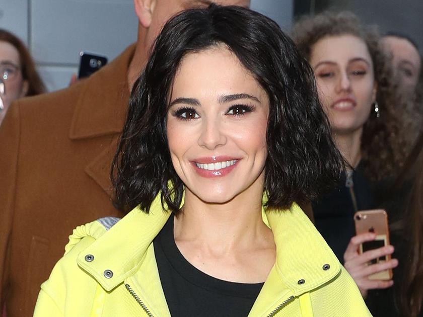 Cheryl Debüts Super Kurze Haare Transformation Wie Sie