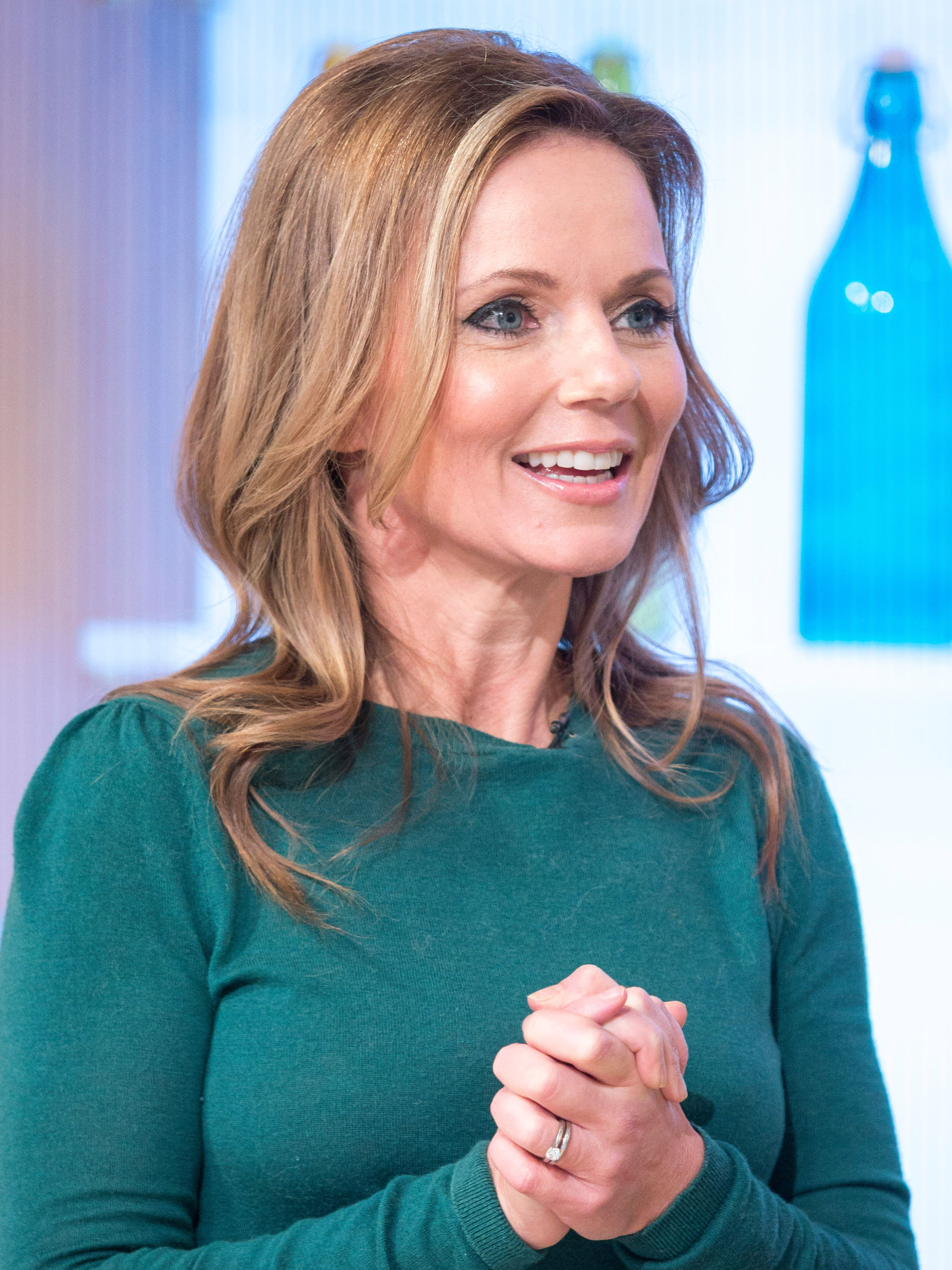 Geri Horner transforms into Ginger Spice as she shows off incredible new makeover in sleek snap