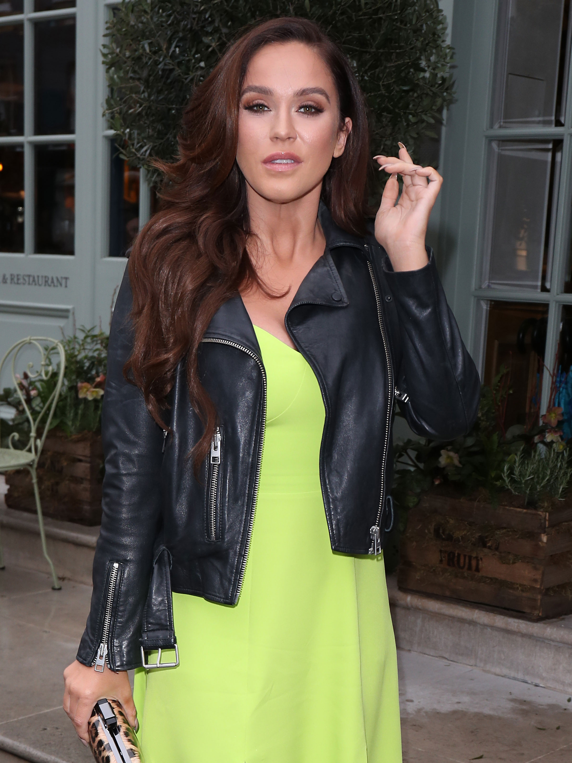 Vicky Pattison 'sparks concern' as fan films her looking 'wasted' at airport