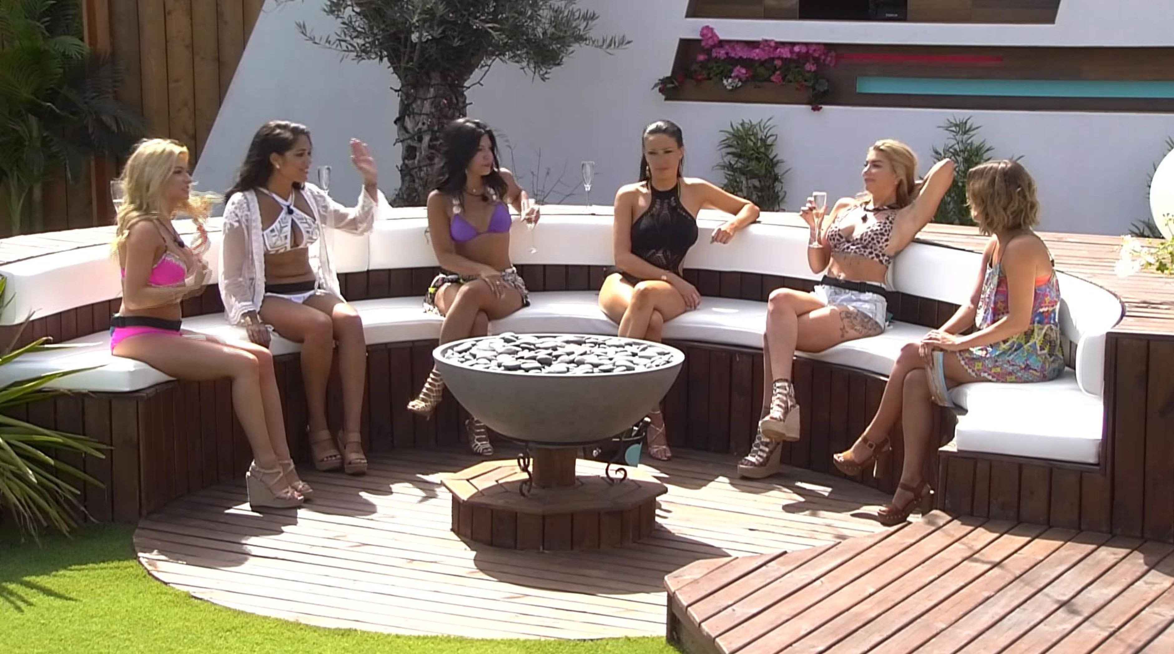 435bf09dea It's fair to say that our Love Island addiction has been building and  building with each year that has passed, and our fascination with the  second series ...
