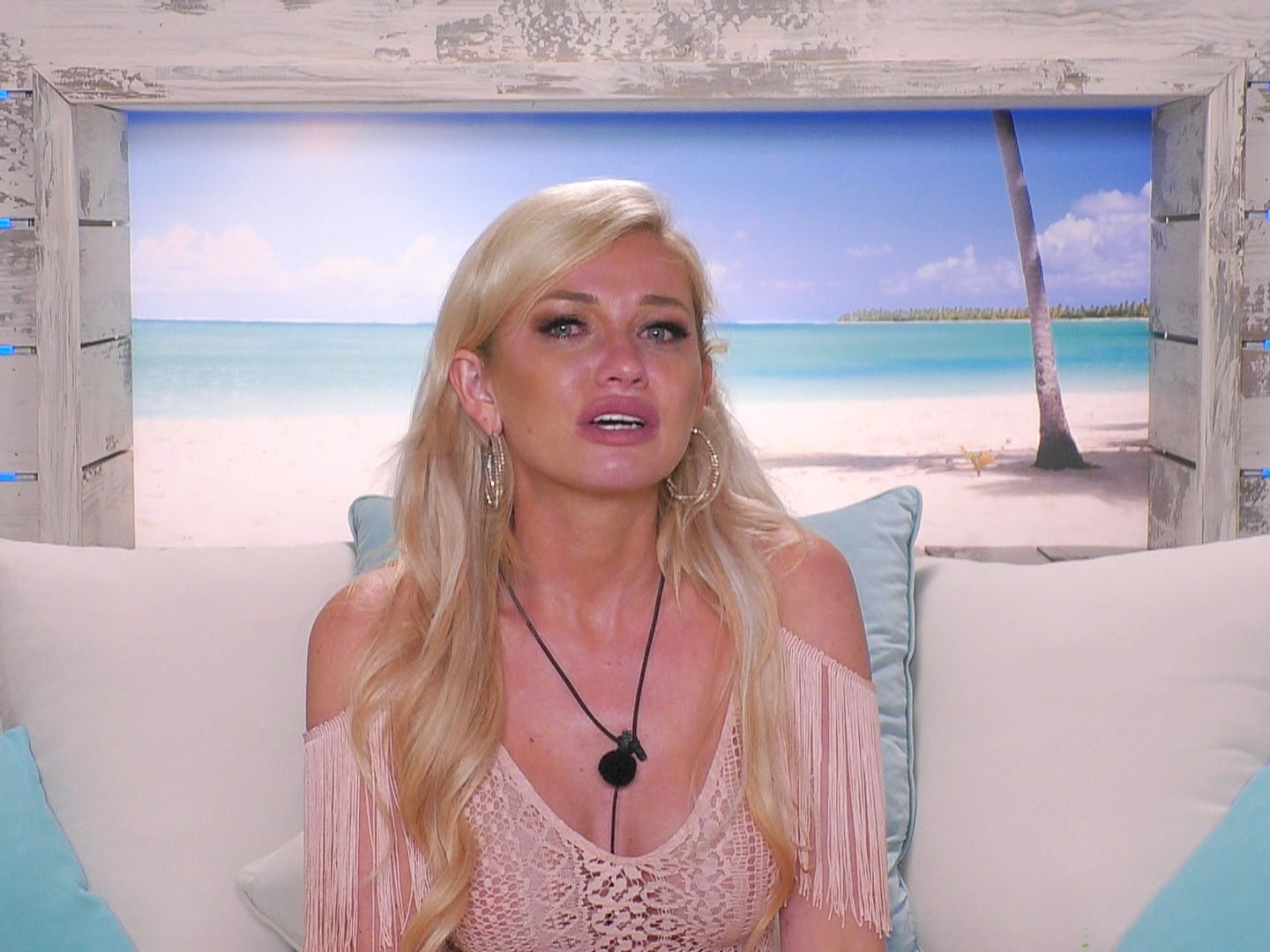 Love Island's Amy Hart has 'quit the show and left the villa' following Curtis Pritchard heartbreak 3