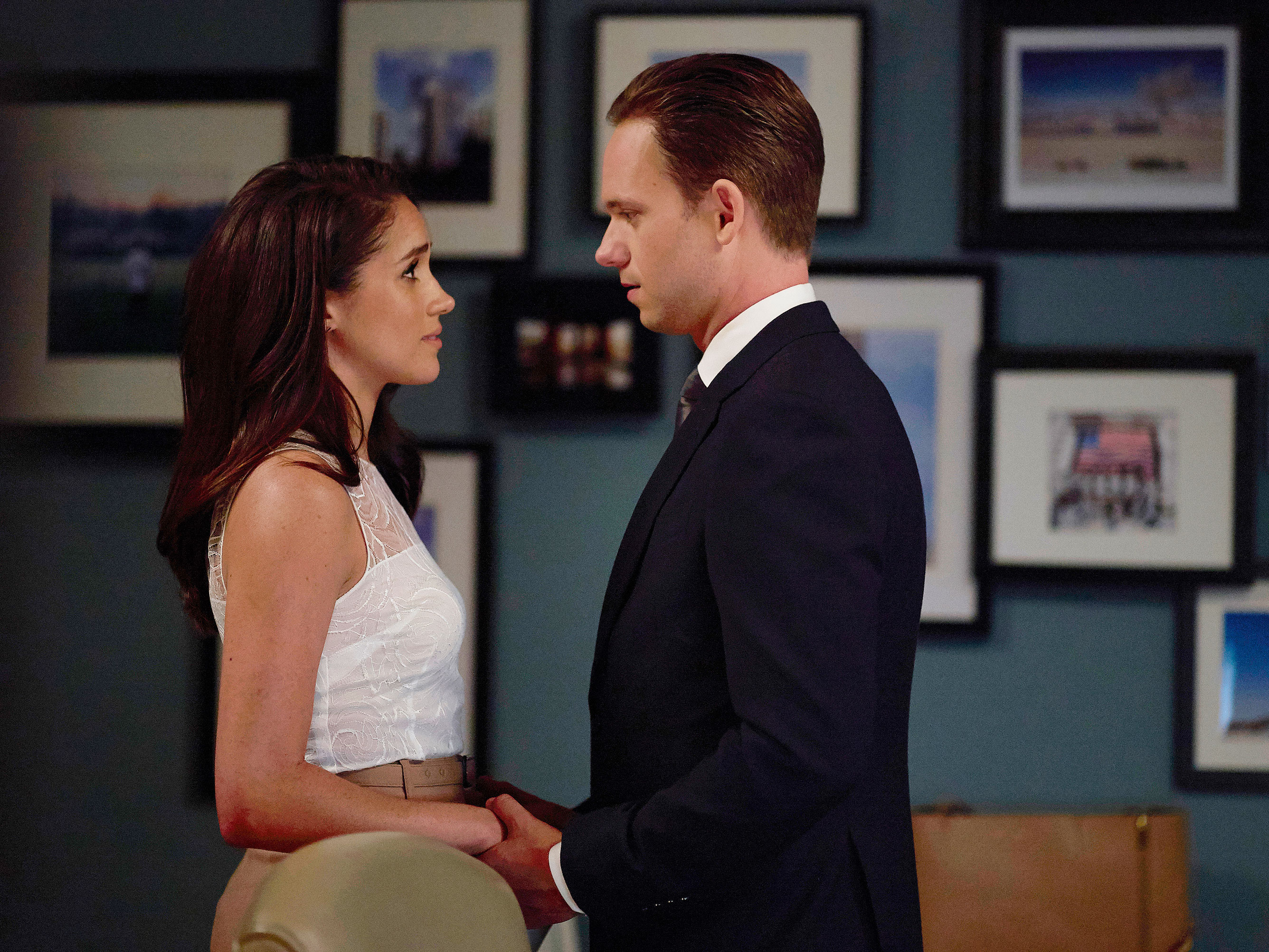 Meghan Markle 'reappears' in the final season of Suits for hilarious joke about her new royal life