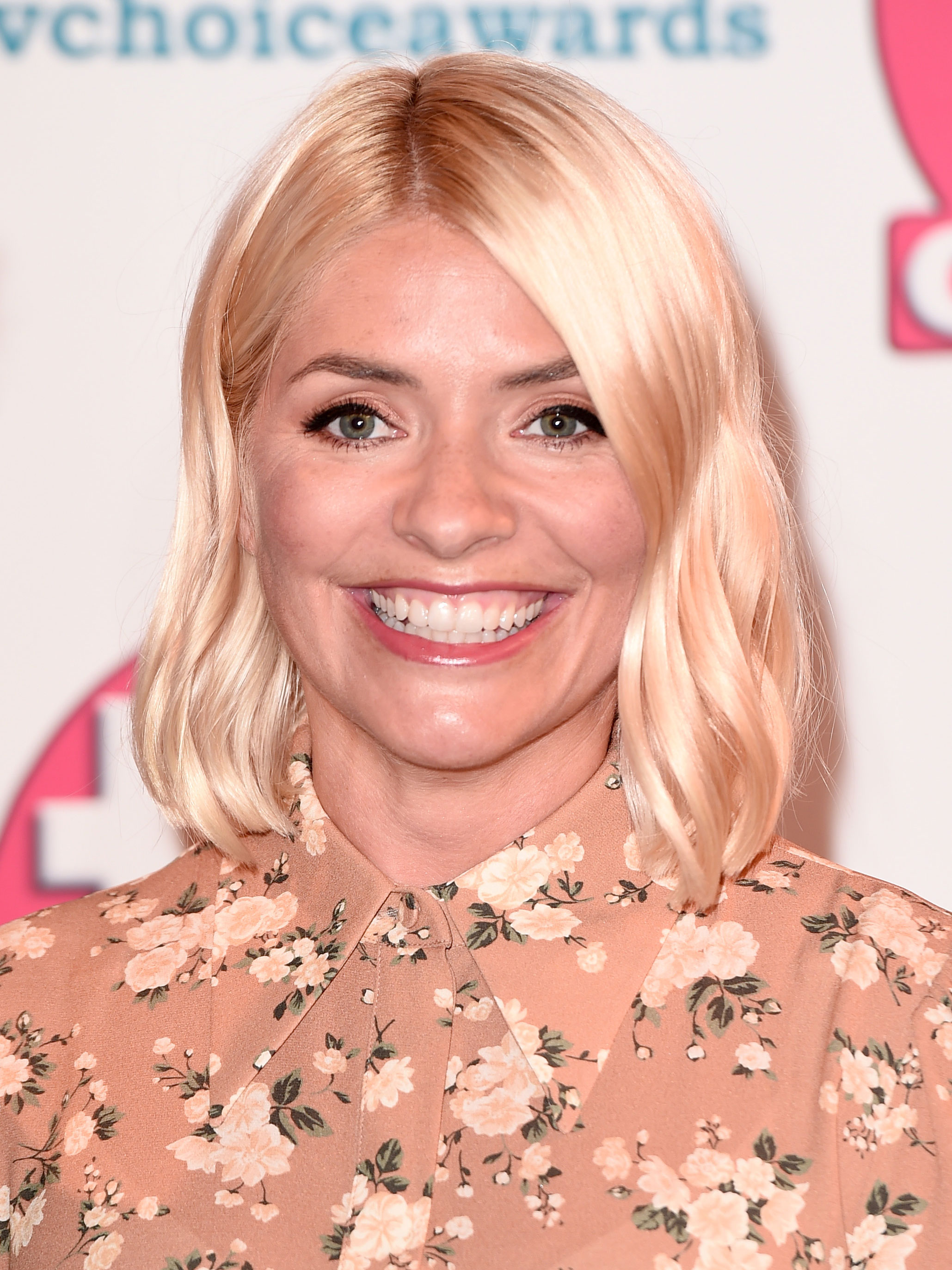 Holly Willoughby fans spot the most HILARIOUS thing about her outfit