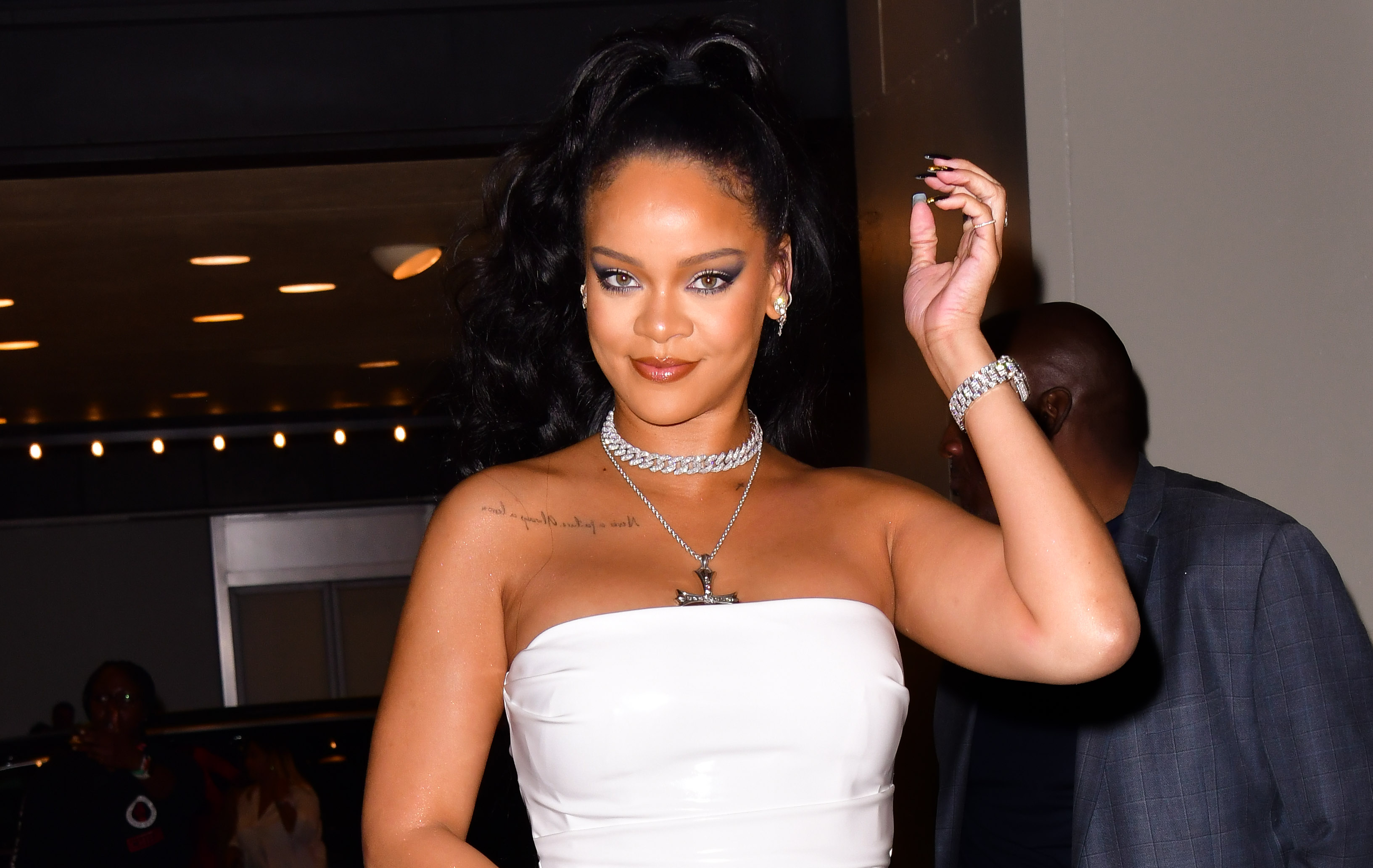 Rihanna stamps out pregnancy rumours as she struts in skimpy black bikini for jaw dropping Instagram post