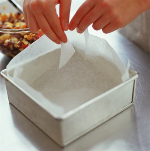 How To Line A Cake Tin With Parchment Paper