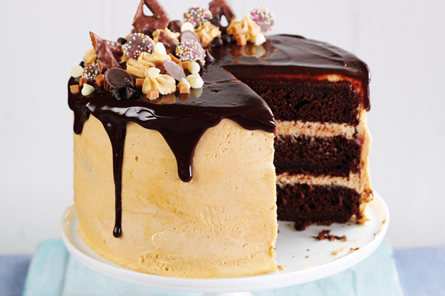 Chocolate Fudge Peanut Butter Drip Cake