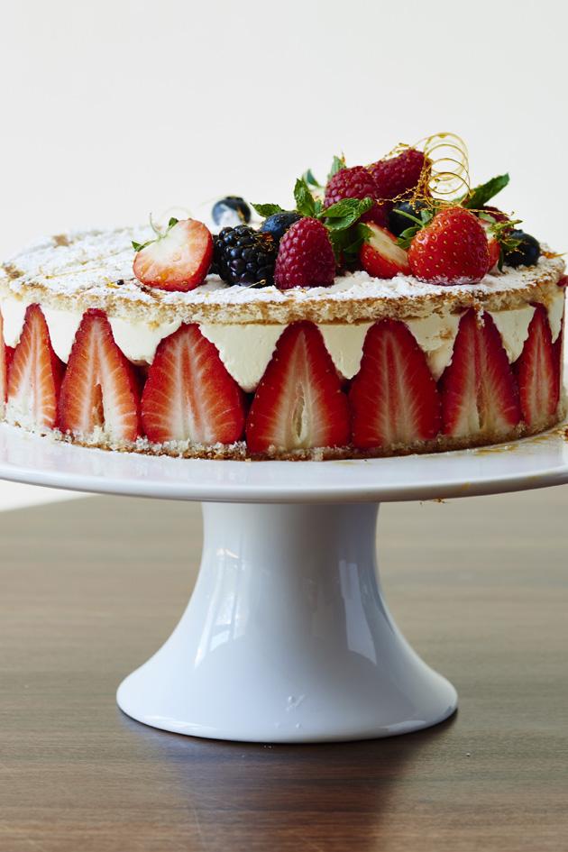 James Martin Strawberry And Cream Cake