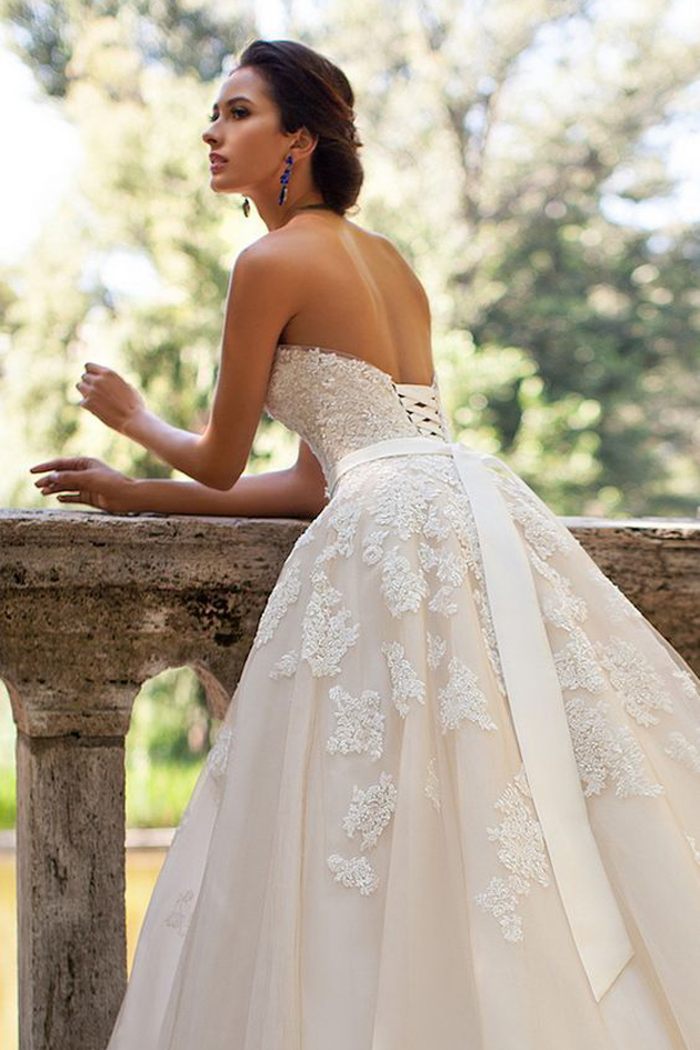 Recycle and reuse wedding dress ideas for all brides for Recycle wedding dress ideas