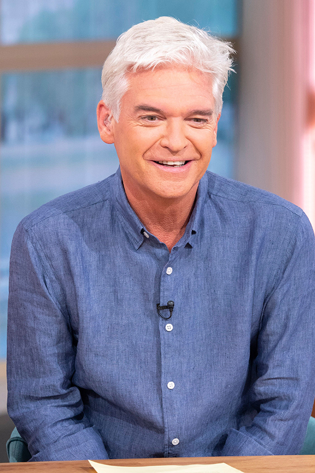 see inside this morning star phillip schofield 39 s luxury. Black Bedroom Furniture Sets. Home Design Ideas