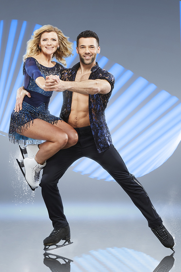 Holly Willoughby Looks Stunning In Official Dancing On Ice Pics