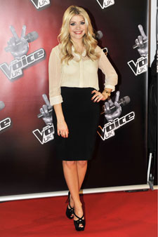 86411400282 Holly Willoughby s a style icon! - Woman s Own