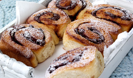 Quick & easy recipes: Chocolate chip Chelsea buns - Woman's Own