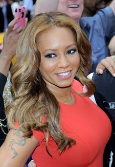 Welcome to NikkyNaz Blog : MEL B GETS BOOED ON AMERICAS