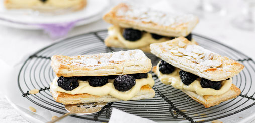 Quick and easy recipes - Blackberry and almond custard tarts - Food
