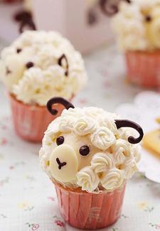 Little lamb cupcakes & 45 AMAZING cupcake ideas - Womanu0027s Own