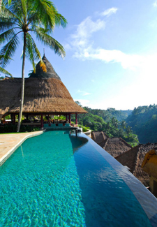 Top 14 most amazing hotels in the world for Amazing hotels of the world