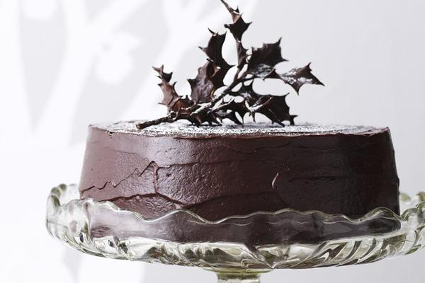 rich chocolate christmas fruit cake
