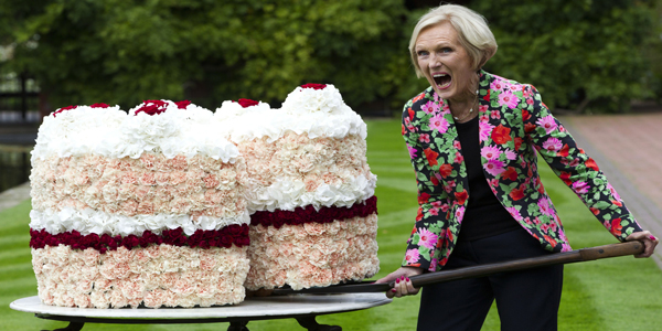 Mary-Berry-with-flower-cake