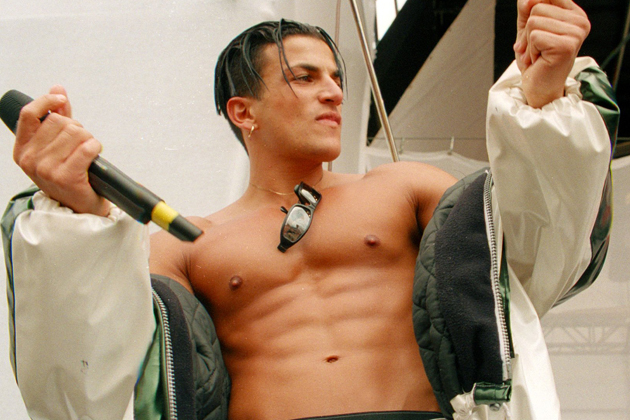 Peter andre life in pictures his rise to fame in may 1996 peters single mysterious girl was released and became a chart sensation he was also an instant hit with the ladies thanks to his tanned m4hsunfo